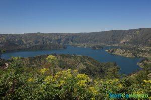 Lago en el Cráter Wenchi