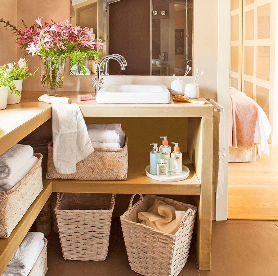 Organización del lavabo con cestas